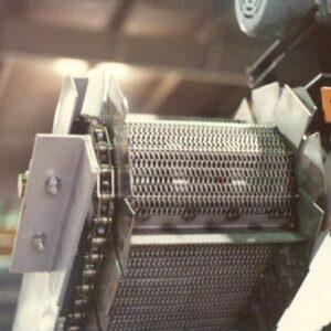 85Steel-Mesh-Conveyor-with-Chain-Belt
